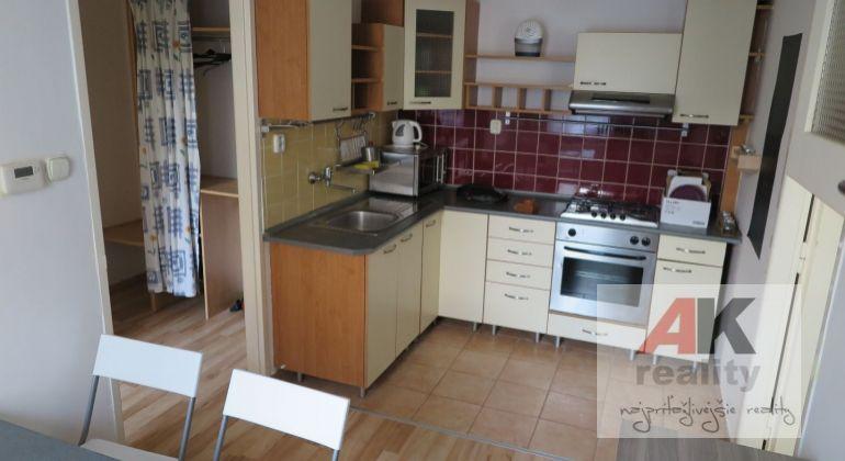 Prenájom, 1 izb. byt, Bratislava, Staré mesto, 34 m2
