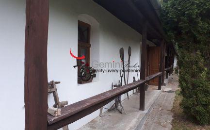 GEMINIBROKER Vám ponúka na predaj krásny rodinný dom s lesom v Nagyhute
