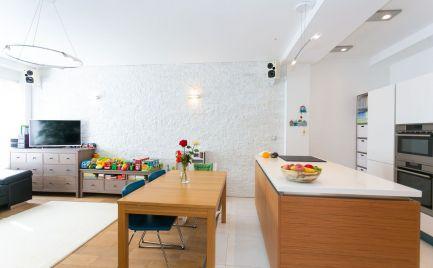 Novostavba 3 izbový byt 73 m2, + garážové státie - centrum Banská Bystrica – cena 129 990 €