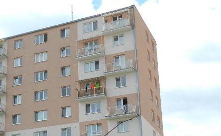 Trojizbový byt s balkónom, Žiar nad Hronom, centrum