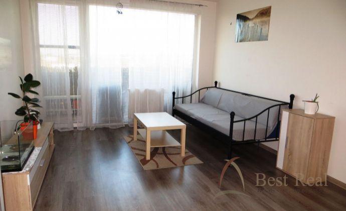 Best Real - 1-izbový byt s balkónom v novostavbe na Čiližskej ulici, 40m2, 4/11 poschodie.