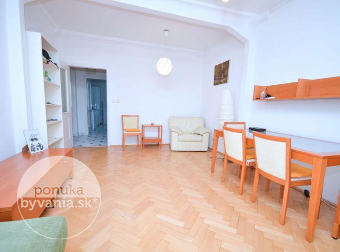 PREDANÉ - MARTINČEKOVA, 3-i byt, 82 m2 – ZREKONŠTRUOVANÝ byt s loggiou vo VYHĽADÁVANEJ LOKALITE