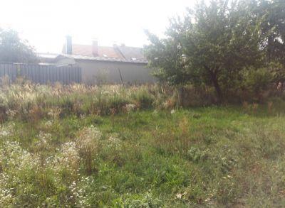 Areté real, REZERVOVANÉ - Predaj rovinatého stavebného pozemku s vlastnou prístupovou cestou so vstupom z Cajlanskej ulice v Pezinku