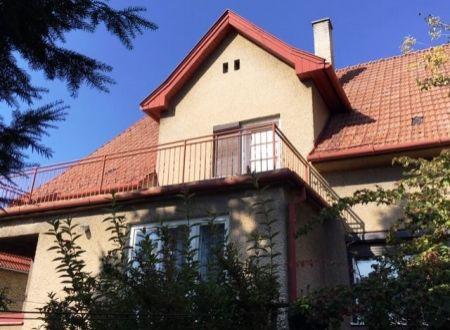 Na predaj veľký 6 -izbový dom vo Veľkých Bieliciach