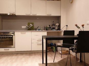 Úplne nový 2 izbový byt s terasou na Laurinskej