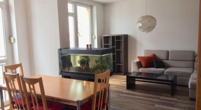 Predaj - pekný, kompletne zariadený  2 izbový byt s výhľadom na Rakúsko