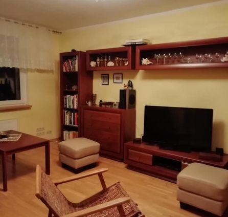 StarBrokers - 2 izbový priestranný byt v Karlovke na ulici Silvánska.Rezervovaný.