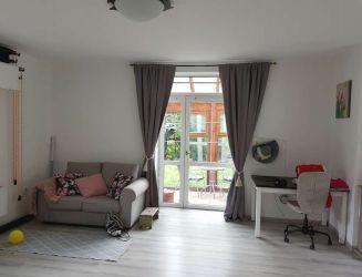 Zvolen, mesto - priestranný 1-izbový byt so záhradkou a zimnou záhradou, 55 m2
