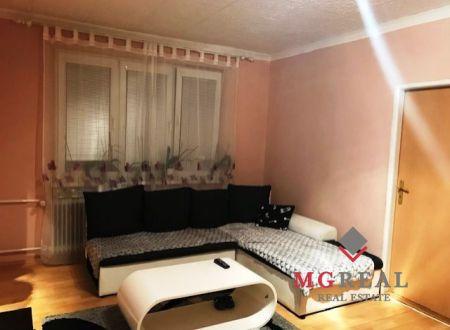 Znížená cena. 3 izbový byt na predaj v Handlovej.
