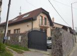 6izb RD, Svätý Jur, ul. Vinohradnícka, pozemok 260m2, garáž, kamenný plot, podnikanie aj bývanie