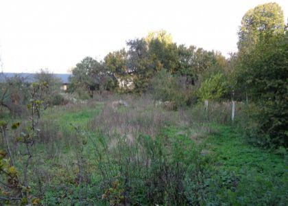 DOMUM - Krásny pozemok 2834m2 v obci Hrachovište so starou chalupou a IS