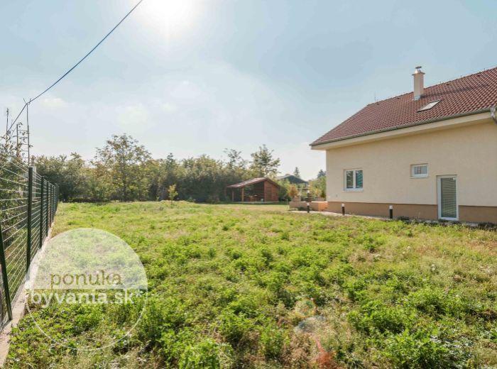 PREDANÉ - BERNOLÁKOVO, stavebný pozemok, 548 m2 – všetky prípojky na pozemku