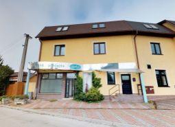 EXKLUZÍVNE IBA U NÁS !!! Ponúkame Vám na predaj polyfunkčný objekt,240 m2, s možnosťou prerobenia na 6 bytov, Dubnica nad Váhom - ul. Murgašova.