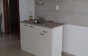 EXKLUZÍVNE IBA U NÁS. Na prenájom 1 izbový byt s balkónom, 50 m2, Dubnica nad Váhom.