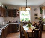 Dvojgeneračný tehlový rodinný dom, garáž, murovaný záhradný domček,  pozemok 669 m2, Trenčín / lokalita Soblahovská