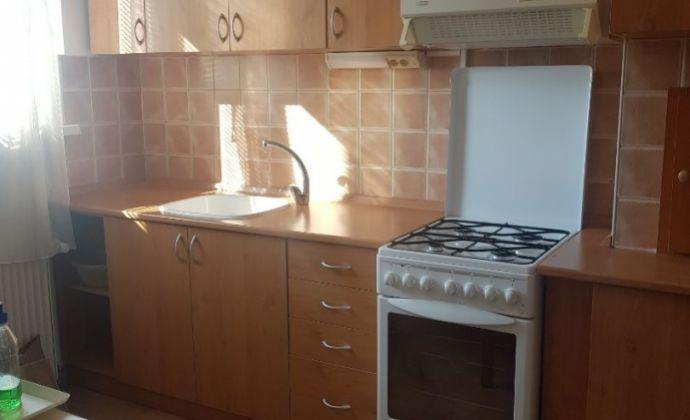 Na predaj 3 izbový byt v Komárne!