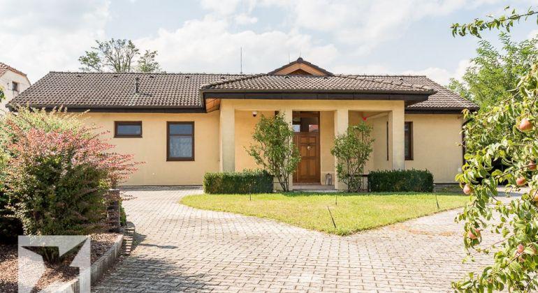 Predaj krásneho, svetlého rodinného domu v Borskom Mikuláši, časť Borský Peter.