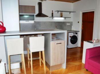 Kompletne zariadený 1,5 izbový byt v Ružinove