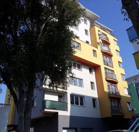 1izbový byt s UŽASNOU možnosťou prerobenia na 2i  - Kazanská - IBA v StarBrokers