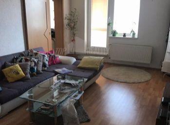 Zariadený 1 izbový byt s terasou v centre Pezinka