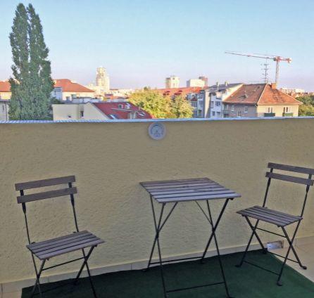 StarBrokers - PREDANý!! veľký 2-i byt s logiou 15 m2 do dvora, prerobený na 3-i, Karadžičova ulica, okamžite môžete bývať!