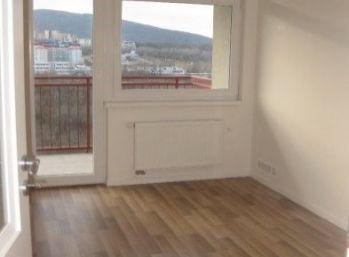 Priestranný 3 izbový byt so samostatne uzatvárateľnou garážou