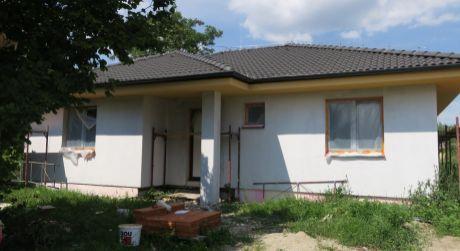 Novostavba na predaj neďaleko Nových Zámkov.