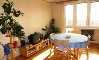 Best Real - Rezervované 2,5 izbový byt na Martinčekovej ulici v Ružinove.