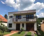 Rodinný dom s pozemkom 762 m2, čiastočná rekonštrukcia, Trenčín, Kubranská ul. / Kubrá