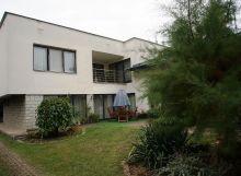Lukratívny dvojpodlažný rodinný dom s udržiavanou záhradou - Michalovce