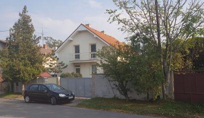 Rodinný dom vo Veľkých Úlanoch s pozemkom 1200 m2