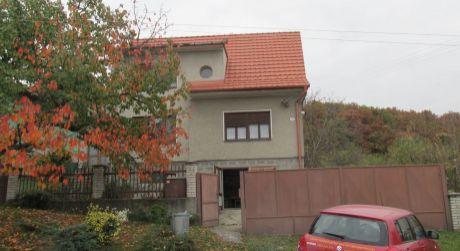 Na predaj rodinný dom v Obyciach pod horou