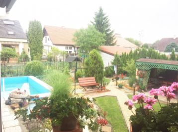 ***PREDAJ: Atriový 4 izbový rodinný dom v Plaveckom Štvrtku pri Malackách!