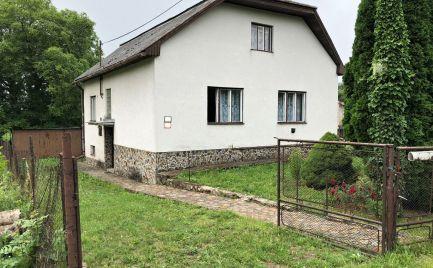 RD Bačkov  – 100 m2 zastavaná plocha, kváder, 7,6 á pozemok, VOĽNÝ