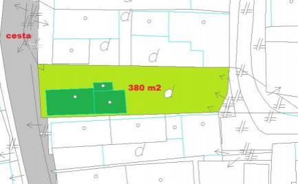 Rodinný dom chalupa s pozemkom 380 m2, 18 km od Banskej Bystrice  cena 48 000€
