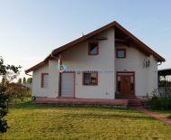 DIAMOND HOME s.r.o. Vám ponúka na predaj komfortný zariadený 3 izbový rodinný dom v obci Orechová Potôň!