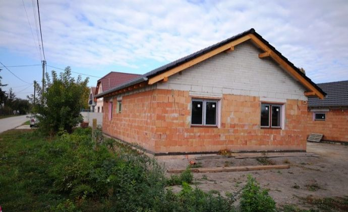 Pokojné bývanie v obci Blahová - novostavba 3izb. rodinného domu v prevedení štandard na pozemku 400 m2