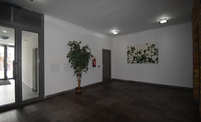 REZERVOVANY 3 IZBOVÝ BYT  110m2  GAUDI - PARK  + PARKING - TICHO,