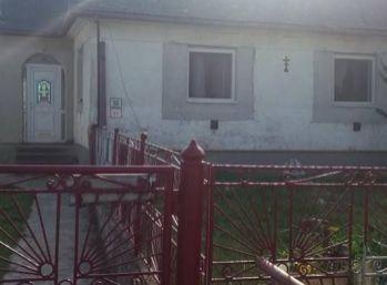 Rodinný dom štvorec v obci Zemplínske Jastrabie