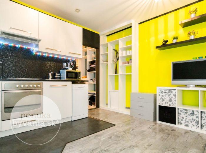 PREDANÉ - BUJNÁKOVA, 1-i byt, 38 m2 – VEĽKÁ LOGGIA, tichá lokalita, VOĽNÝ IHNEĎ