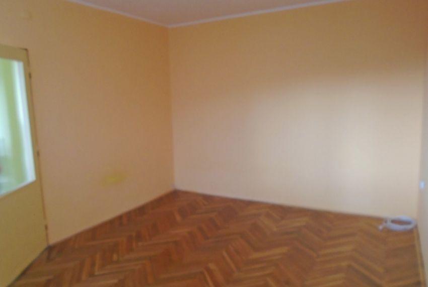 Predaj 1 izbový byt Šahy-3