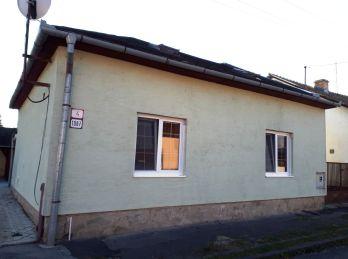 5-i PODKROVNÝ dom,REKONŠTRUKCIA, zateplenie, pri mestskom PARKU v Lučenci