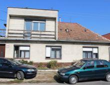 Ponúkame na predaj dvojpodlažný 4 izbový  rodinný dom s rozsiahlym pozemkom, Obec Madunice. DOHODA MOŽNÁ.