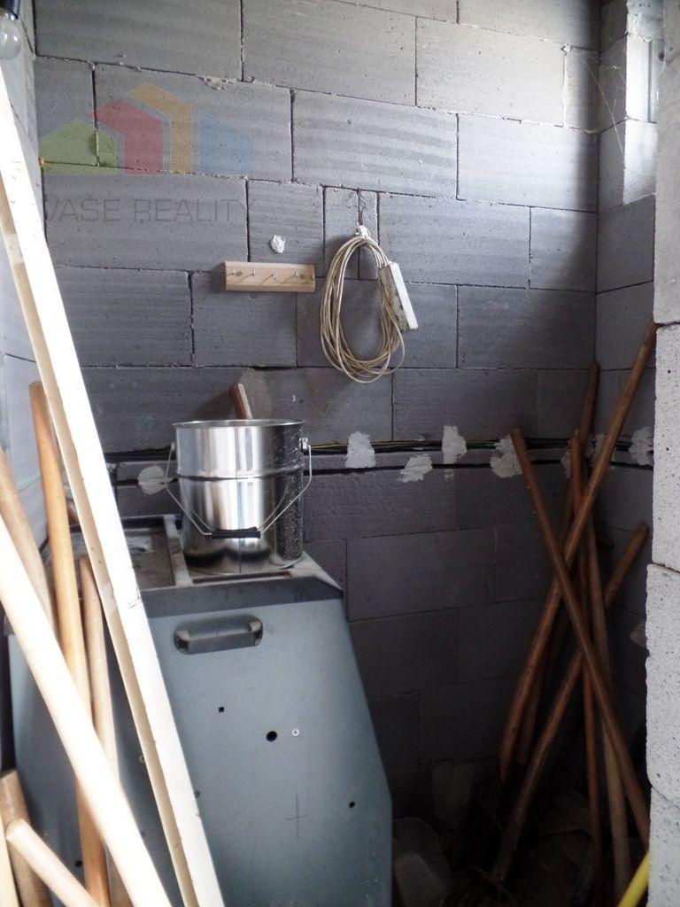 ** NOVÁ CENA - 364 000 € s DPH ** Na predaj komerčný priemyselný objekt - ul. Trenčianska - Nové Mesto n/V
