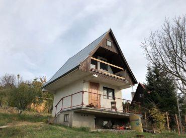 Dvojpodlažná chata v Čachticiach
