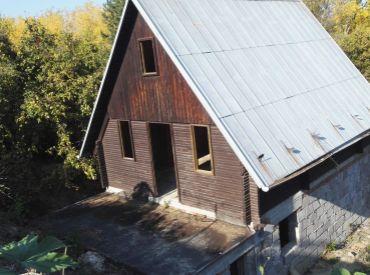 Pozemok s rozostavanou chatou, Čerenec - Vrbové