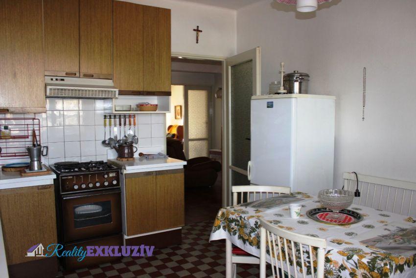 Predaj Rodinné domy Lučenec-23