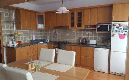 Na prenájom 4 izbový byt v Žiline, časť Hájik
