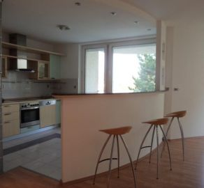 StarBrokers – Prenájom slnečného 4-izbového bytu v Horskom parku