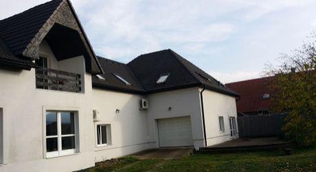 Predaj priestranného rodinného domu, Zvolenská Slatina